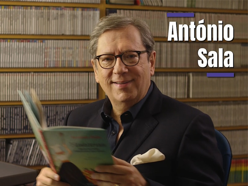 antonioSala com o seu livro na AudicaoActiva