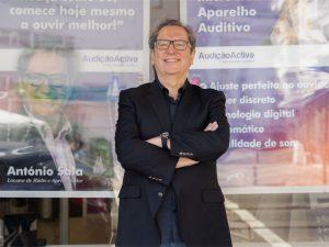Antonio sala marca presenca na loja Audicaoactiva