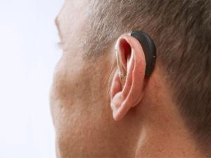Uso de aparelhos auditivos