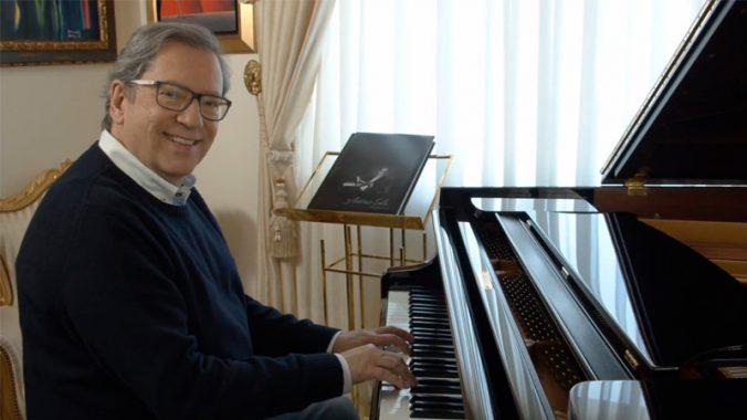 antonio sala ao piano